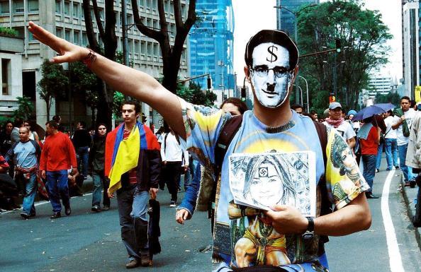 Uribe Dictador